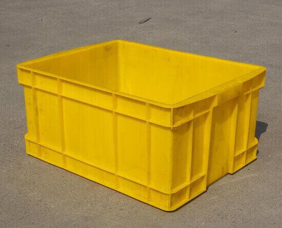 塑料料箱112
